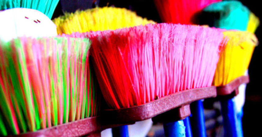 Spring Cleaning: Tips To De-Clutter Your Life For A Fresh Start-Source